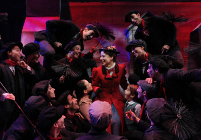 MARYPOPPINS-MANIA, il contagio continua fino al 31 dicembre al Teatro Nazionale di Milano e dal 20 anche al cinema.