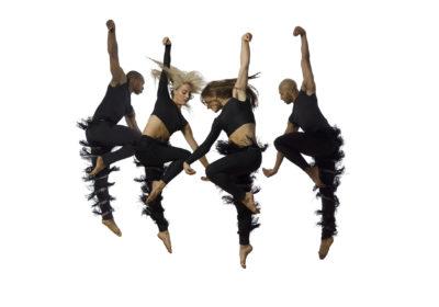 """Magnifici e esplosivi i ballerini di David Parsons """"accendono"""" il pubblico"""