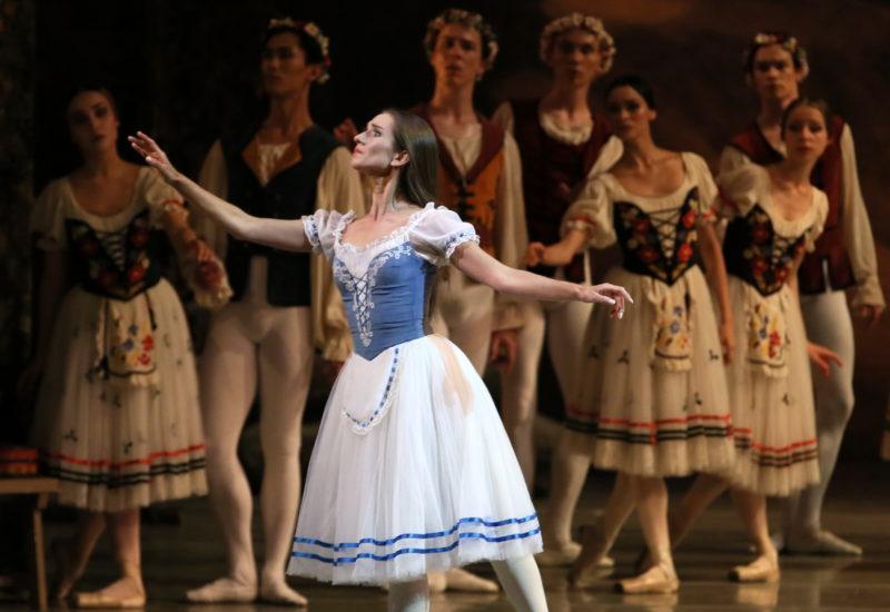 Il misticismo di Giselle nel suggestivo Teatro Mariinsky di San Pietroburgo