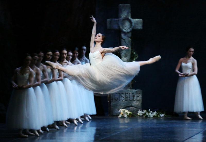 """""""Giselle"""" vola in Kuwait con la Scala, a Cremona e Pavia arriva la versione contemporanea di Dada Masilo"""
