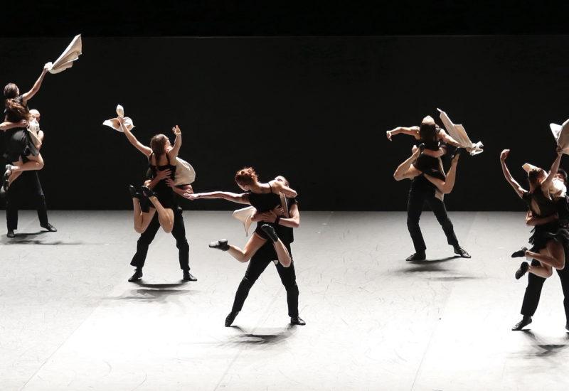 """Dai canti gregoriani al rap: """"Venezuela"""" di Batsheva Dance Company a Reggio Emilia, Vicenza e Brescia"""