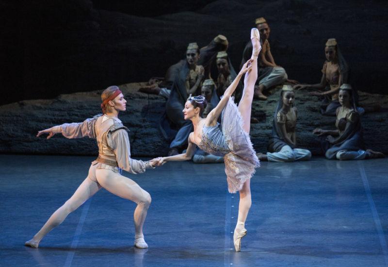 """Serata all'insegna di atmosfere esotiche e virtuosismi con """"Le Corsaire"""" della Scala su Rai5 alle 21.15"""