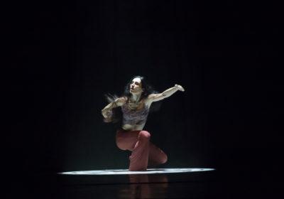 """La danza """"mistica"""" di Sara Orselli: l'allieva storica di Carolyn Carlson rivela i suoi """"soli"""" per il Festival Civitanova Danza"""