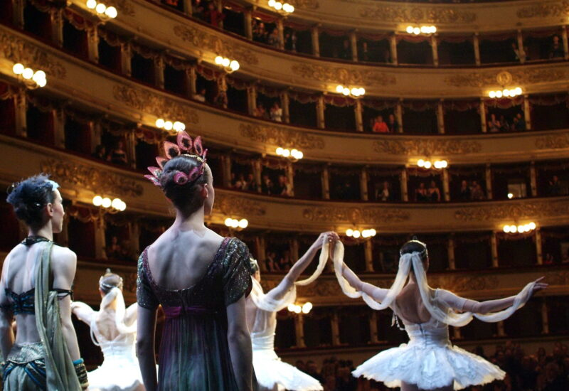 """Manuel Legris nuovo Direttore del Ballo alla Scala inaugura la nomina con una sua creazione per la serata """"A riveder le stelle"""" il 7 dicembre dalle 17 su RAI 1"""